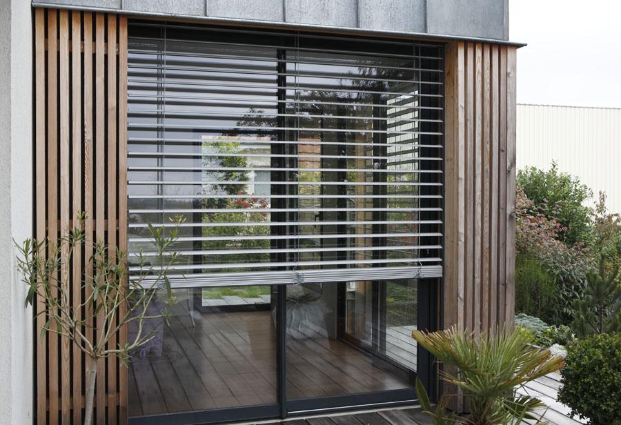 les avantages du brise soleil orientable pour une maison. Black Bedroom Furniture Sets. Home Design Ideas